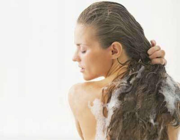 Queda de cabelo na hora de pentear